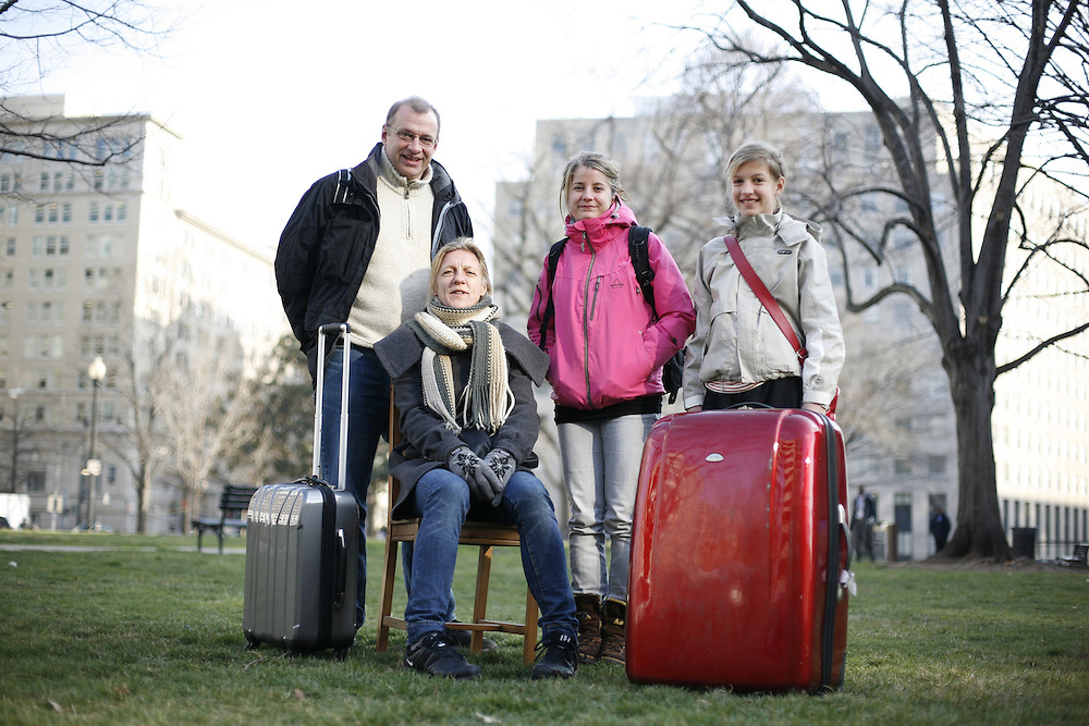 Washington, Feb. 25, 2008 - Lars Hasen, Susane Toft, Julie Kromann (18), and Johanne Toft (11), tourists from Svenborg, Denmark