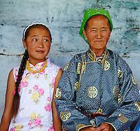 Mongolie, province de Arkhangai, Bulgan, la fete du Naadam, spectateurs // Mongolia, Arkhangai province, Bulgan, spectator at the Naadam festival