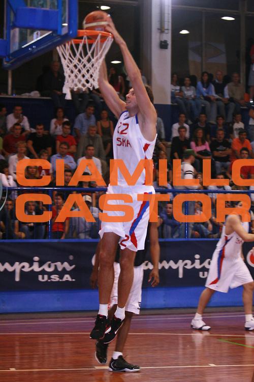 DESCRIZIONE : Moncalieri Precampionato Lega A1 2006-07 Trofeo Citta di Moncalieri Cska Mosca Angelico Biella<br />GIOCATORE : Van Den Spiegel<br />SQUADRA : Cska Mosca<br />EVENTO : Precampionato Lega A1 2006-2007 Trofeo Citta di Moncalieri <br />GARA : Cska Mosca Angelico Biella <br />DATA : 15/09/2006 <br />CATEGORIA : Schiacciata<br />SPORT : Pallacanestro <br />AUTORE : Agenzia Ciamillo-Castoria/S.Ceretti<br />Galleria : Lega Basket A1 2006-2007 <br />Fotonotizia : Moncalieri Precampionato Lega A1 2006-07 Trofeo Citta di Moncalieri Cska Mosca Angelico Biella <br />Predefinita :
