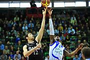 DESCRIZIONE : Sassari Lega A 2012-13 Dinamo Sassari Virtus Bologna<br /> GIOCATORE : Tony Easley<br /> CATEGORIA : Palla a due<br /> SQUADRA : Dinamo Sassari<br /> EVENTO : Campionato Lega A 2012-2013 <br /> GARA : Dinamo Sassari Virtus Bologna<br /> DATA : 30/12/2012<br /> SPORT : Pallacanestro <br /> AUTORE : Agenzia Ciamillo-Castoria/M.Turrini<br /> Galleria : Lega Basket A 2012-2013  <br /> Fotonotizia : Sassari Lega A 2012-13 Dinamo Sassari Virtus Bologna<br /> Predefinita :