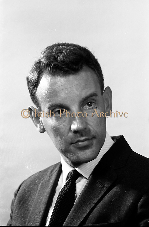18/07/1967<br /> 07/18/1967<br /> 18 July 1967<br /> Mr. M.D. Thornton, Planning and Development manager with Doreen Ltd., Grafton Street, Dublin.