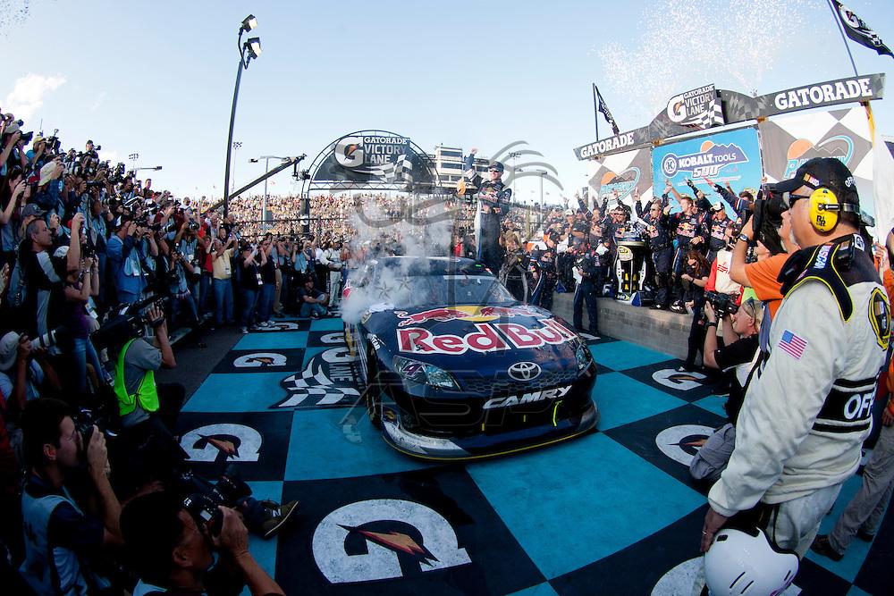Avondale, AZ - NOV 13, 2011:  Kasey Kahne (4) wins the Kobalt Tools 500 race at the Phoenix International Raceway in Avondale, AZ.
