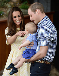 The Duke and Duchess of Cambridge and Prince George in the Bilby Enclosure at Taronga Zoo in Sydney, Australia, Sunday, 20th April 2014. Picture by  i-Images. UK OUT 28 DAYS from date of creation