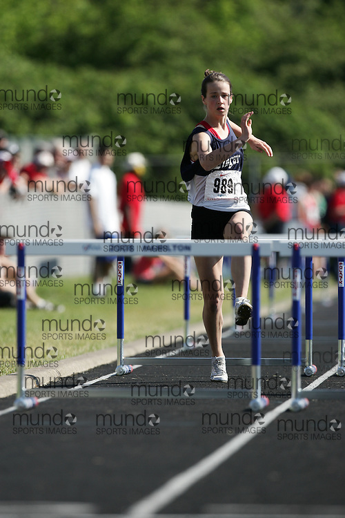 Hamilton, Ontario ---06/06/08--- Julia Stille of Lisgar in Ottawa competes in the sprint hurdles at the 2008 OFSAA Track and Field meet in Hamilton, Ontario..