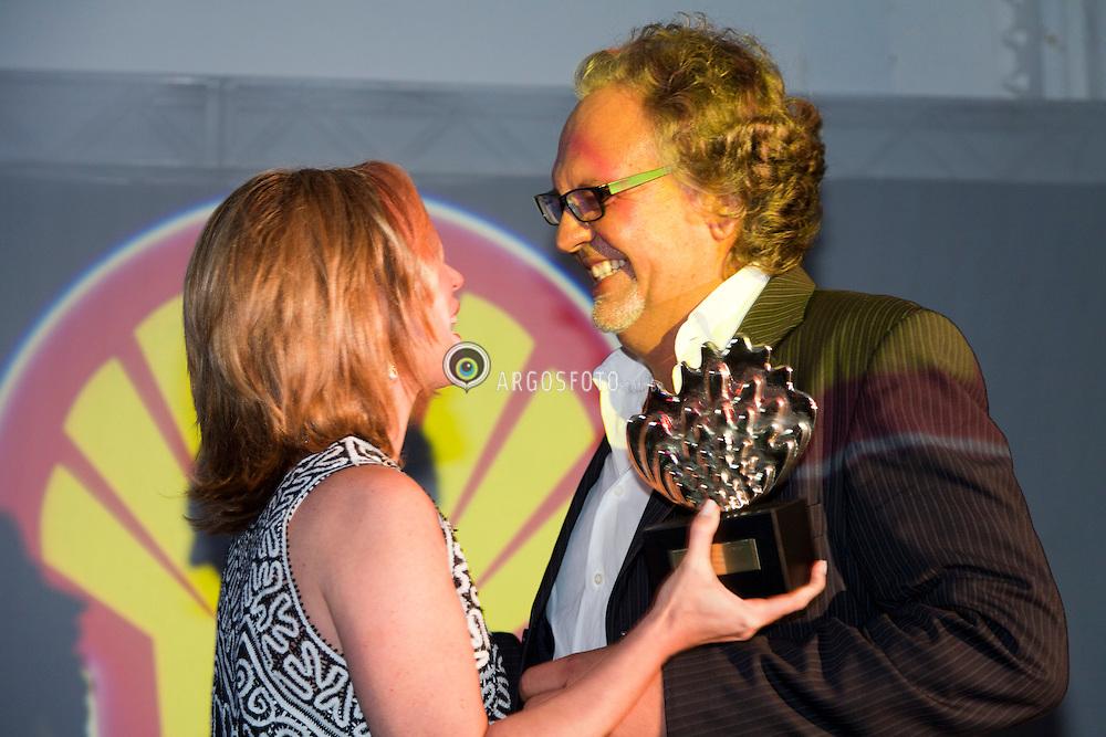 """Cerimonia de premiacao do 23º Premio Shell de Teatro de Sao Paulo. Luciano CHirolli, premio de Melhor Ator por """"as Tres Velhas"""". Foto Marcos Issa/Argosfoto"""