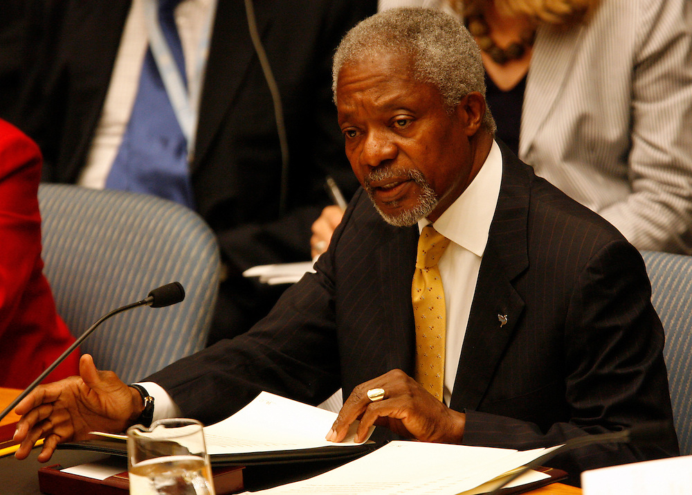 United Nations Secretary-General Kofi Annan, addresses members of the Security Council during a meeting on the situation in the Middle East at UN headquarters in New York, Thursday  20 July 2006