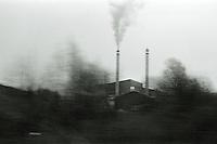 Oslo 20111104. R&oslash;yk fra en fabrikkpipe utenfor Oslo.<br /> Foto: Svein Ove Ekornesv&aring;g