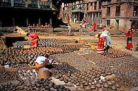 Nepal, Vallée de Kathmandu, Ville de Bakhtapur, Quartier des potiers // Nepal, Kathmandu valley, Bakhtapur city, potters area
