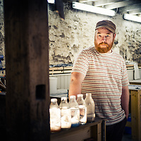 Artist Kenny Drew of East Neuk Glass at his workshop in Comielaw, Crail <br />