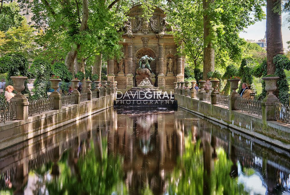 Fountain medicis fontaine jardins du luxembourg garden for Jardin paris