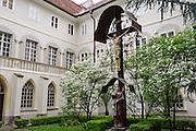 Kreuzgang Franziskanerkloster Graz, UNESCO Welterbestätte Stadt Graz – Historisches Zentrum, Steiermark, Österreich |  Franciscan Cloister Graz, UNESCO World Heritage Site city of Graz - Historic Centre, Steiermark, Austria