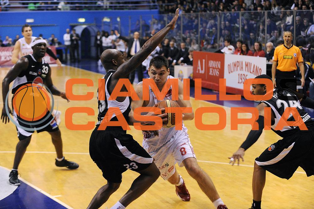 DESCRIZIONE : Milano Lega A 2009-10 Armani Jeans Milano Pepsi Caserta<br /> GIOCATORE : Jonas Maciulis<br /> SQUADRA : Armani Jeans Milano<br /> EVENTO : Campionato Lega A 2009-2010 <br /> GARA : Armani Jeans Milano Pepsi Caserta<br /> DATA : 14/02/2010<br /> CATEGORIA : Palleggio<br /> SPORT : Pallacanestro <br /> AUTORE : Agenzia Ciamillo-Castoria/A.Dealberto<br /> Galleria : Lega Basket A 2009-2010 <br /> Fotonotizia : Milano Campionato Italiano Lega A 2009-2010 Armani Jeans Milano Pepsi Caserta<br /> Predefinita :