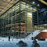 NLD/Amsterdam/20101218 - Muziekgebouw aan 't IJ s' nachts in de sneeuw