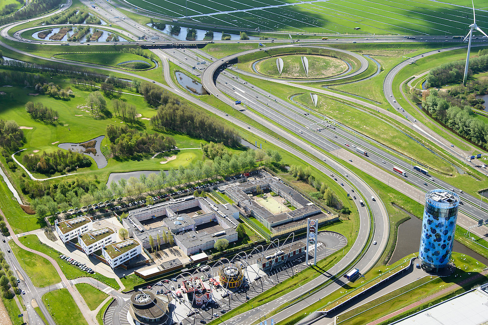 Nederland, Noord-Holland, Amsterdam, 09-04-2014;  knooppunt Holendrecht, A2 richting Utrecht. Fletcher Hotel en Food strip.<br /> Junction motorway A2 with Fletcher Hotel and Food strip.<br /> luchtfoto (toeslag op standard tarieven);<br /> aerial photo (additional fee required);<br /> copyright foto/photo Siebe Swart