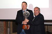 Bologna - 11/02/2007 -  Italia Basket Hall of Fame at Cappella Farnese in Palazzo D'Accursio FIP's President mr. Fausto Maifredi arwarding Paolo Vittori