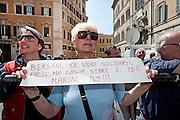 2013/04/18 Roma, proteste in piazza Montecitorio contro la mancata candidatura di Stefano Rodota' a presidente della Repubblica. Nella foto un manifestante.<br /> Rome, protests and demo in Piazza Montecitorio against the non-candidacy of Stefano Rodota ' for president . In the picture a protester holds a note reading ' Bersani, if you want to suicide, do it, but let it be the PD. No to Marini - &copy; PIERPAOLO SCAVUZZO