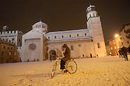 Trento Città piazza Duomo con neve, centro storico  © foto Daniele Mosna