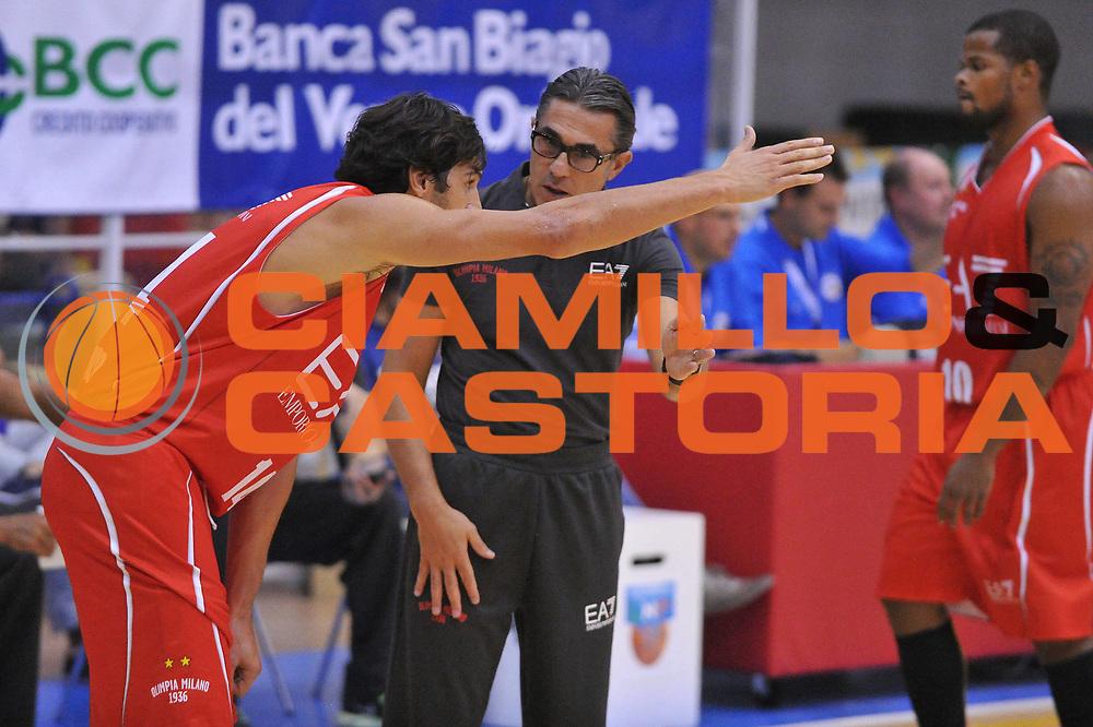 DESCRIZIONE : Caorle  &amp; Torneo di Caorle Trofeo E.Lefebre EA7 Olimpia Milano New Yorker Phantoms<br /> GIOCATORE : gianluca basile sergio scariolo<br /> CATEGORIA : time out<br /> SQUADRA : EA7 Olimpia Milano New Yorker Phantoms<br /> EVENTO : Trofeo E.Lefebre <br /> GARA : EA7 Olimpia Milano New Yorker Phantoms<br /> DATA : 15/09/2012<br /> SPORT : Pallacanestro <br /> AUTORE : Agenzia Ciamillo-Castoria/M.Gregolin<br /> Galleria : Precampionato<br /> Fotonotizia : Caorle  &amp; Torneo di Caorle Trofeo E.Lefebre EA7 Olimpia Milano New Yorker Phantoms<br /> Predefinita :
