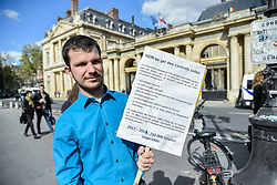 October 3, 2017 - Paris, Ile de France, France - French associations lead by CAC association protest against the end of the assisted contract of the gouvernement in Paris, France, on 3 October 2017. (Credit Image: © Julien Mattia/NurPhoto via ZUMA Press)
