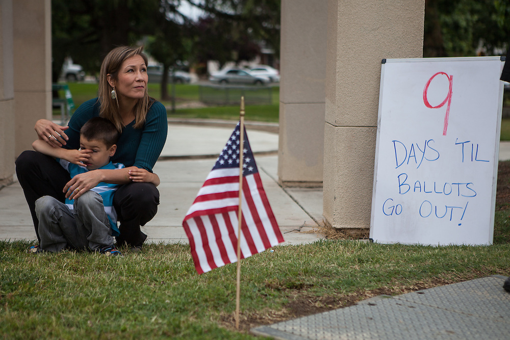 SANGER, CA - APRIL 26, 2014: Democratic Congressional candidate Amanda Renteria waits to be introduced with her son, Diego Branneria, 4, at a campaign event. CREDIT: Max Whittaker for The New York Times
