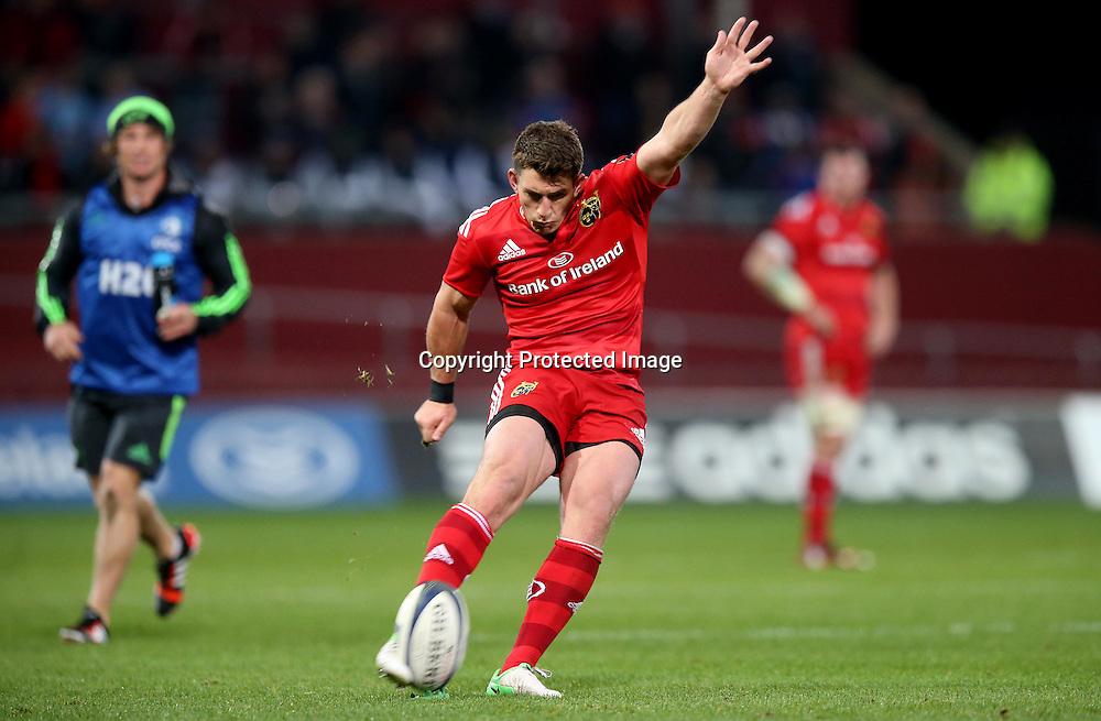 European Rugby Champions Cup Round 2, Thomond Park, Limerick 24/10/2014<br /> Munster vs Saracens<br /> Munster's Ian Keatley kicks a penalty to make the score 6-3<br /> Mandatory Credit &copy;INPHO/Dan Sheridan