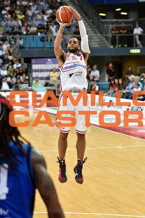 Fields Brandon<br /> Consultinvest Pesaro - Germani Basket Brescia<br /> BASKET Serie A 2016 <br /> Pesaro 02/10/2016 <br /> FOTO CIAMILLO