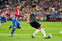 Atletico de Madrid's player Antoine Griezmann and Bayern Munich's player Javi Martinez during match of UEFA Champions League at Vicente Calderon Stadium in Madrid. September 28, Spain. 2016. (ALTERPHOTOS/BorjaB.Hojas)