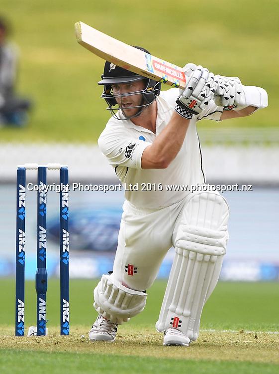 Kane Williamson batting.<br /> New Zealand Black Caps v Pakistan. Day 1, 2nd test match. Friday 25 November 2016. Seddon Park, Hamilton, New Zealand. &copy; Copyright photo: Andrew Cornaga / www.photosport.nz