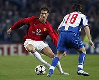 PORTO-25 FEVEREIRO:CRISTIANO RONALDO#7 e MANICHE#18 no jogo F.C. Porto vs Manchester United F.C. primeira mao dos oitavos de final da Liga dos campeoes realizado no estadio do Dragao 25/02/2004.<br />(PHOTO BY:GERARDO SANTOS/AFCD)