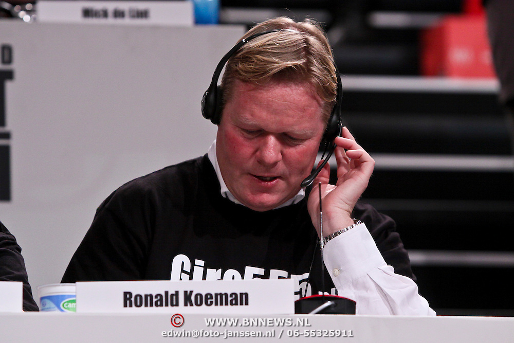 NLD/Hilversum/20100121 - Benefietactie voor het door een aardbeving getroffen Haiti, Ronald Koeman