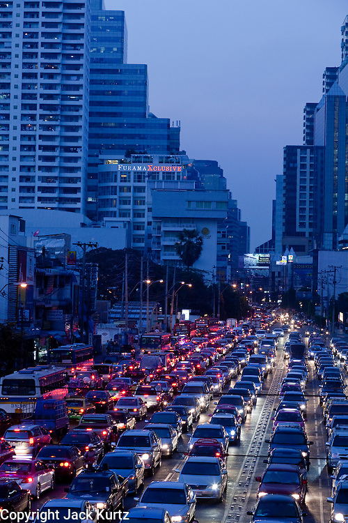 Mar. 19, 2009 -- BANGKOK, THAILAND: Evening traffic on Soi Asoke at Sukhumvit Rd in Bangkok, Thailand.   the Photo by Jack Kurtz