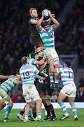 Twickenham, Surrey United Kingdom. Matias ALEMANNO, shields the line out ball from Joe LAUNCHBURY, during the England vs Argentina. Autumn International, Old Mutual Wealth series. RFU. Twickenham Stadium, England. <br /> <br /> Saturday  11.11.17.    <br /> <br /> [Mandatory Credit Peter SPURRIER/Intersport Images]