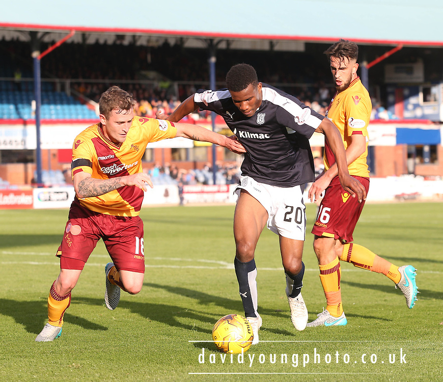 Riccardo Calder and Motherwell&rsquo;s Josh Law - Dundee v Motherwell - Ladbrokes Premiership at Dens Park<br /> <br /> <br />  - &copy; David Young - www.davidyoungphoto.co.uk - email: davidyoungphoto@gmail.com