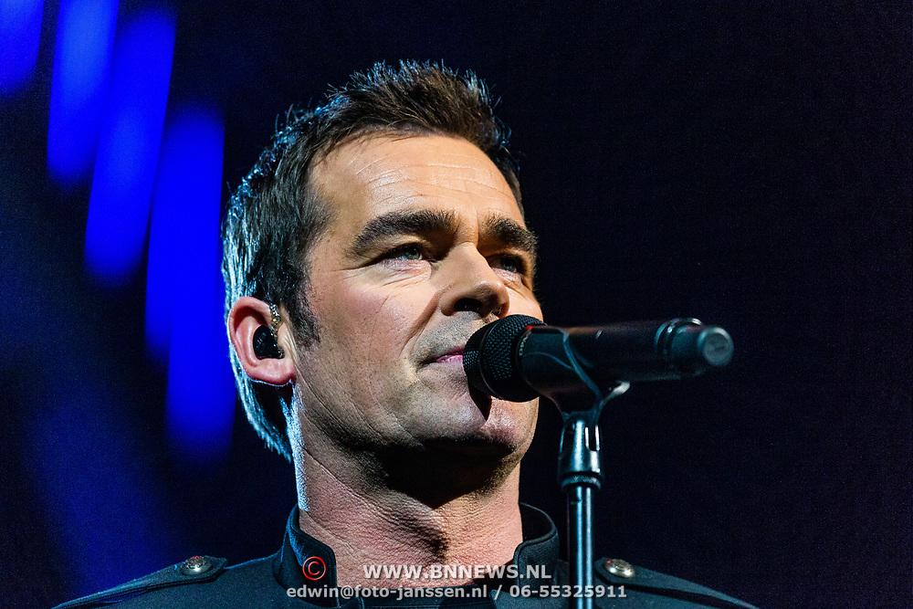 NLD/Amsterdam/20170317 - Holland zingt Hazes 2017, Jeroen van der Boom