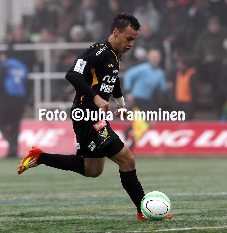 13.4.2013, Urheilupuiston yläkenttä, Turku..Veikkausliiga 2013..FC TPS Turku - FC Honka..Youness Rahimi - Honka