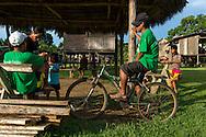 Comunidad indígena La Chunga, Comarca Embera – Wounaan en la Provincia de Darién, Panamá.  La Chuga, ubicada en el  Rio Sambu, forma parte del corredor biológico de Bagres con sus inmensos bosques tropicales.