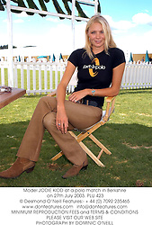 Model JODIE KIDD at a polo match in Berkshire on 27th July 2003.PLU 423