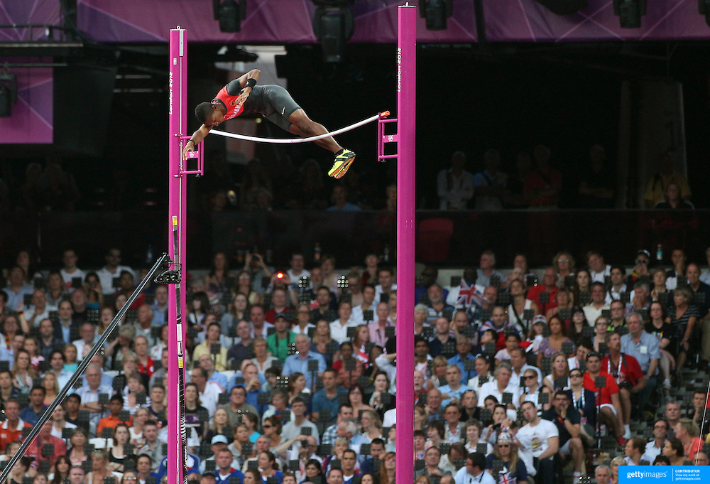 Raphael Holzdeppe, Germany, in action during the Men's Pole Vault Final at the Olympic Stadium, Olympic Park, Stratford during the London 2012 Olympic games. London, UK. 10th August 2012. Photo Tim Clayton