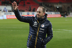 08.04.2016, Voith Arena, Heidenheim, GER, 2. FBL, 1.FC Heidenheim vs Eintracht Braunschweig, 29. Runde, im Bild Trainer Torsten Lieberknecht nach dem 2:2 // during the 2nd German Bundesliga 29th round match between 1.FC Heidenheim and Eintracht Braunschweig at the Voith Arena in Heidenheim, Germany on 2016/04/08. EXPA Pictures © 2016, PhotoCredit: EXPA/ Eibner-Pressefoto/ Langer<br /> <br /> *****ATTENTION - OUT of GER*****