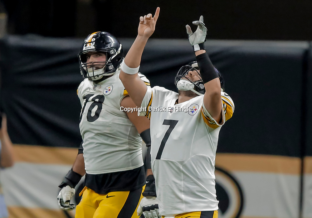 Dec 23, 2018; New Orleans, LA, USA; Pittsburgh Steelers quarterback Ben Roethlisberger (7) celebrates after a touchdown pass against the New Orleans Saints during the second quarter at the Mercedes-Benz Superdome. Mandatory Credit: Derick E. Hingle-USA TODAY Sports
