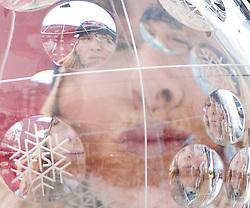 13.03.2010, Goudyberg Herren, Garmisch Partenkirchen, GER, FIS Worldcup Alpin Ski, Garmisch, Men Slalom, im Bild Feature, Podium des Gesamtweltcup 2009 2010 Damen, erstplazierte Lindsey Vonn ( USA ) Küsst die große Kristallkugel, EXPA Pictures © 2010, PhotoCredit: EXPA/ J. Groder
