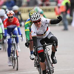 Ina Yoko Teutenberg wins 2nd stage Energiewacht Tour in Bad Nieuweschans for Kirsten Wild and Marianne Vos