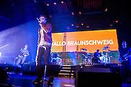 Clueso  in der  Volkswagen Halle in Braunschweig am 28.November 2014. Foto: Rüdiger Knuth