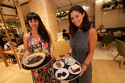 UK ENGLAND LONDON 8SEP16 - Celebrity chefs Melissa and Jasmine Hemsley (R) at the Hemsley and Hemsley Cafe at Selfridge's in central London.<br /> <br /> jre/Photo by Jiri Rezac<br /> <br /> © Jiri Rezac 2016