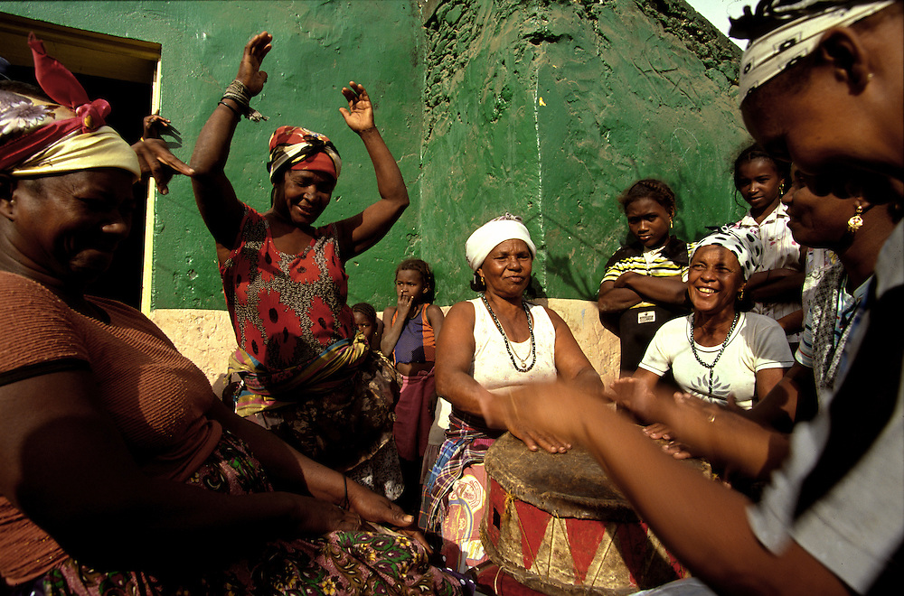 """""""Batuque"""" is one of the several musical styles of Cape verde, being the """"batucadeiras"""" its executants. This traditional music from Santiago island has inspired new generations of capeverdian musicians as Lura and Tcheka."""