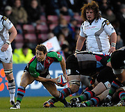 Twickenham, GREAT BRITAIN,  Quins, Andy GOMERSALL  passing the ball from the back of scrum, during the EDF. Energy Cup. between, Harlequins vs Ospreys at Twickenham Stoop.  02/12/2007 [Mandatory Credit Peter Spurrier/Intersport Images].
