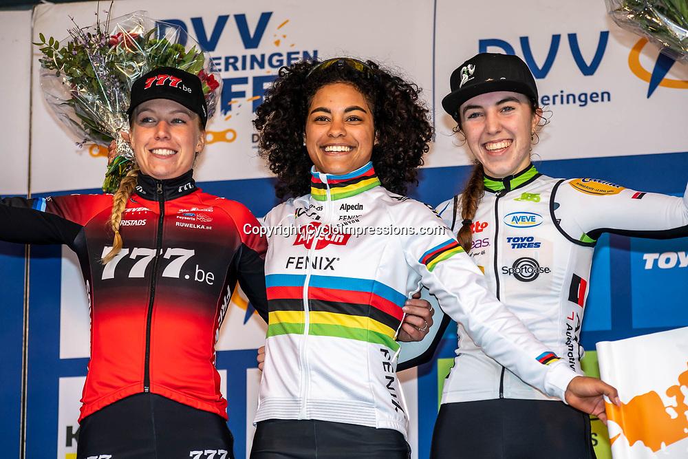 2020-02-08 Cycling: dvv verzekeringen trofee: Lille: Ceylin del Carmen Alvarado wins the Krawatencross after a sprint with Annemarie Worst, Shirin van Aanrooij was third