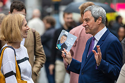 © Licensed to London News Pictures. 17/05/2019. London, UK. MEP candidate Gavin Esler (R) speaks with a member of the public during a Change UK campaign event in central London. Photo credit: Rob Pinney/LNP