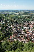 Blick auf die Rheinebene und die Altstadt von der Ruine Starkenburg, Heppenheim, Bergstraße, Hessen, Deutschland