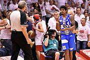 DESCRIZIONE : Campionato 2014/15 Serie A Beko Grissin Bon Reggio Emilia - Dinamo Banco di Sardegna Sassari Finale Playoff Gara7 Scudetto<br /> GIOCATORE : Edgar Sosa tifosi Luigi Lamonica arbitro<br /> CATEGORIA : tifosi scandalo sequenza rissa arbitro<br /> SQUADRA : Banco di Sardegna Sassari arbitro<br /> EVENTO : Campionato Lega A 2014-2015<br /> GARA : Grissin Bon Reggio Emilia - Dinamo Banco di Sardegna Sassari Finale Playoff Gara7 Scudetto<br /> DATA : 26/06/2015<br /> SPORT : Pallacanestro<br /> AUTORE : Agenzia Ciamillo-Castoria/GiulioCiamillo<br /> GALLERIA : Lega Basket A 2014-2015<br /> FOTONOTIZIA : Grissin Bon Reggio Emilia - Dinamo Banco di Sardegna Sassari Finale Playoff Gara7 Scudetto<br /> PREDEFINITA :